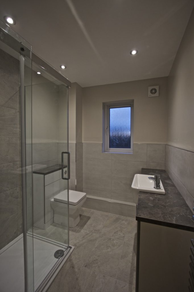 Granta_Leys_Bathroom_01